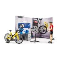 BRUDER - Set de joaca Service si magazin de biciclete , Cu figurina