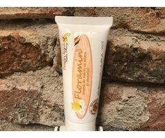 NATURAL CREMA DE MAINI CU MIERE SI MUSETEL 50 ML