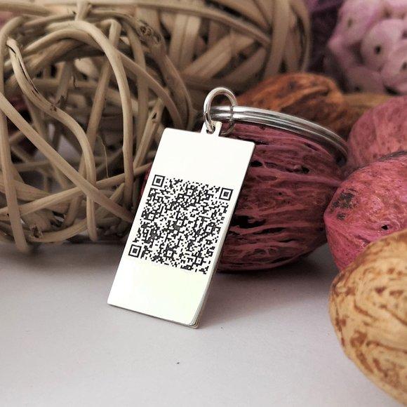 Breloc drepunghiular personalizat cu QR code - Argint 925, otel inoxidabil