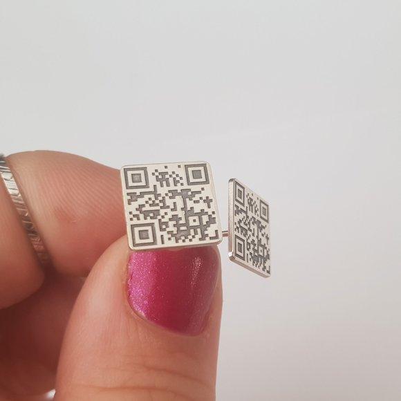 Cercei personalizati cu QR code - Argint 925, surub