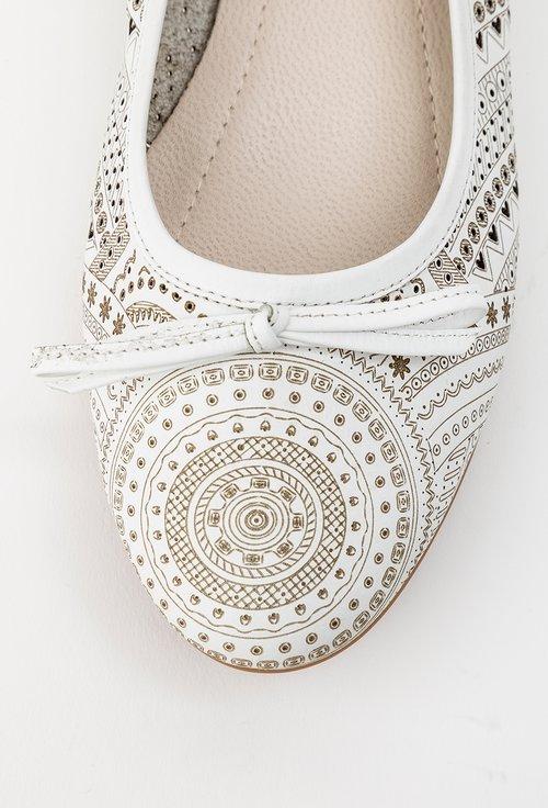 Balerini albi din piele naturala cu model perforat Frida