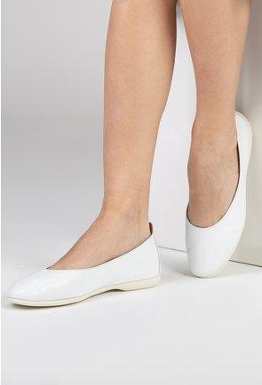 Balerini albi din piele naturala cu talpic buretat