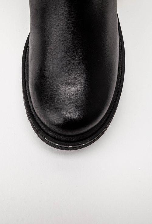 Cizme negre din piele naturala decorate cu fermoar