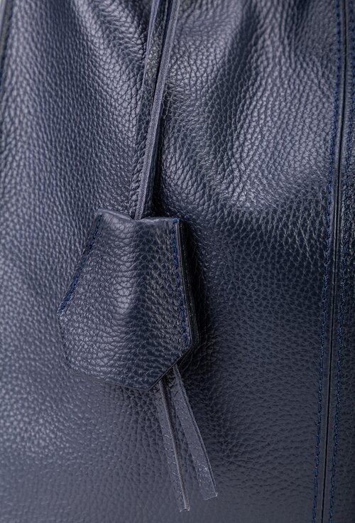 Geanta casual nuanta navy din piele naturala texturata