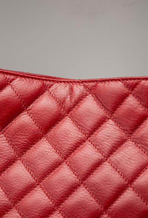 Geanta din piele nuanta rosu inchis cu aspect matlasat