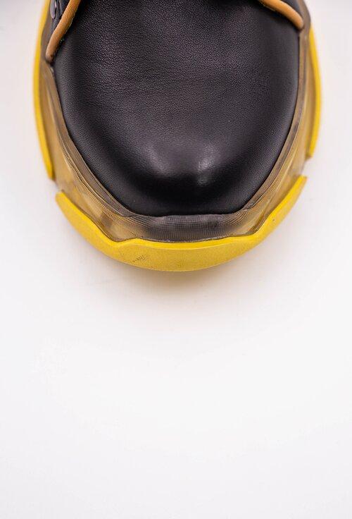 Ghete negre din piele naturala cu detalii galbene si siret