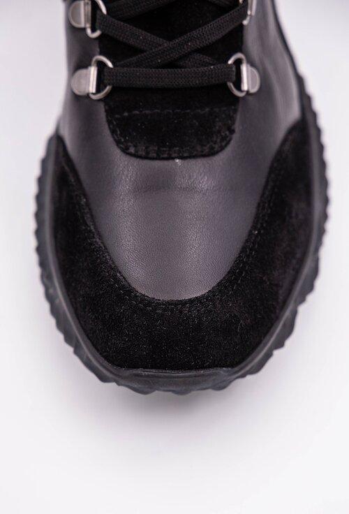 Ghete negre din piele naturala in nuante de negru