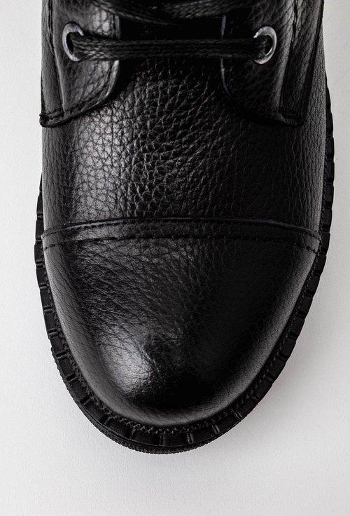 Ghete negre din piele naturala texturata si piele intoarsa