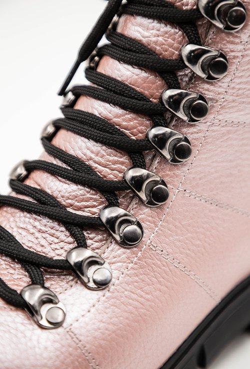 Ghete roz sidefat din piele naturala texturata