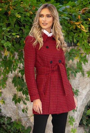 Palton grena cu picatele din lana