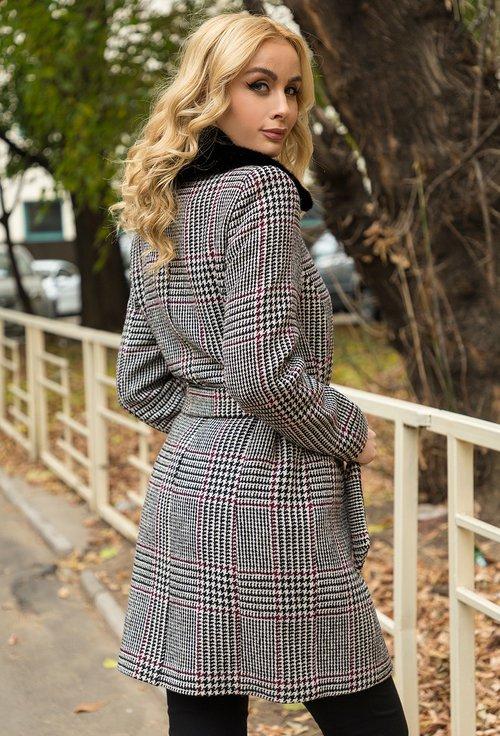 Palton in carouri Odesa