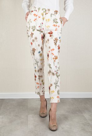 Pantaloni albi cu imprimeu floral in relief Molly