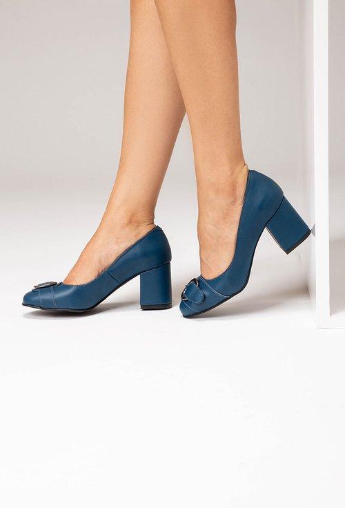 Pantofi albastri din piele naturala cu o catarama