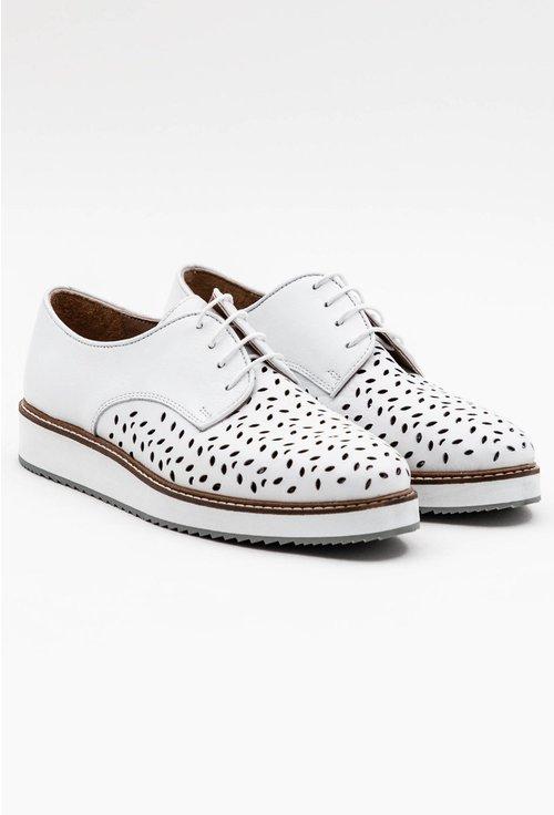 Pantofi albi din piele naturala cu perforatii