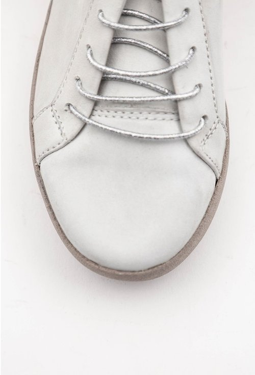 Pantofi albi din piele naturala intoarsa