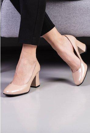 Pantofi bej deschis din piele naturala lacuita