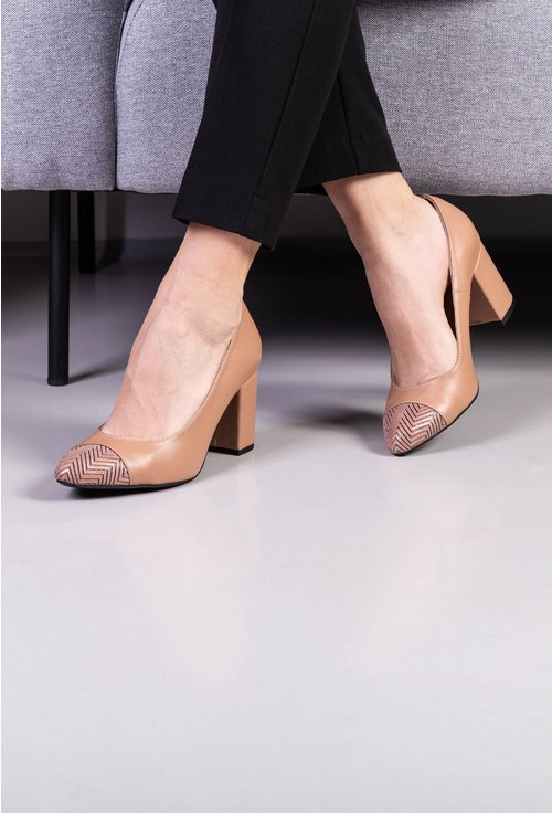 Pantofi bej din piele naturala cu detaliu in varf