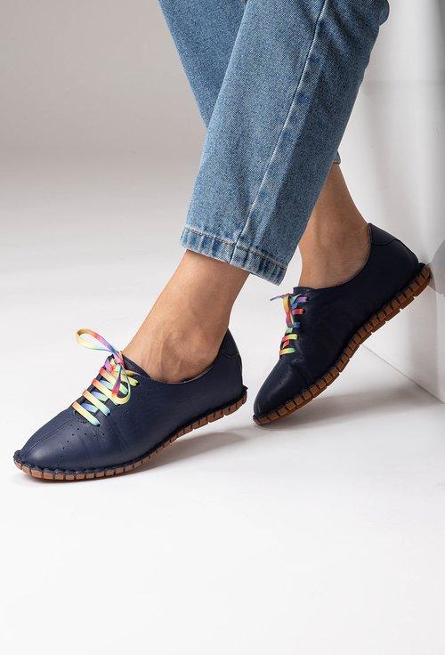 Pantofi bleumarin din piele naturala cu siret colorat
