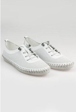 Pantofi casual albi din piele naturala cu design perforat