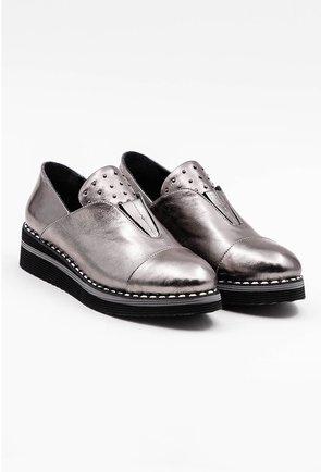 Pantofi casual argintii din piele naturala cu tinte