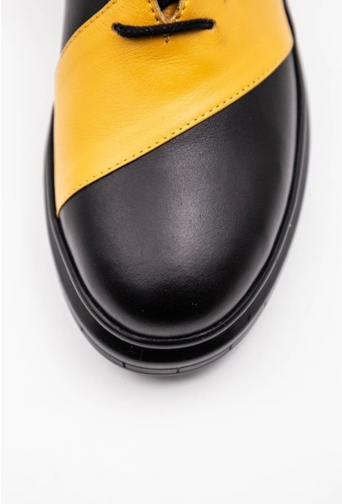 Pantofi casual din piele naturala box nuanta negru cu galben