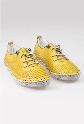 Pantofi casual galbeni din piele naturala cu design perforat