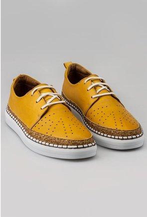 Pantofi casual galbeni din piele naturala cu detaliu auriu