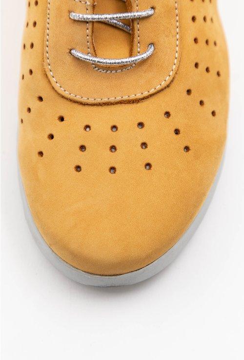 Pantofi casual galbeni din piele naturala intoarsa cu perforatii