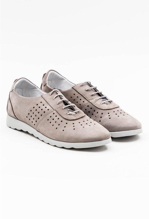 Pantofi casual gri din piele naturala intoarsa cu perforatii