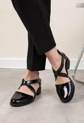 Pantofi casual negri din piele naturala lacuita Dory