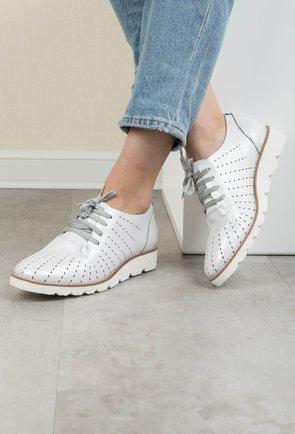 Pantofi casual nuanta alb sidefat din piele naturala Lucia