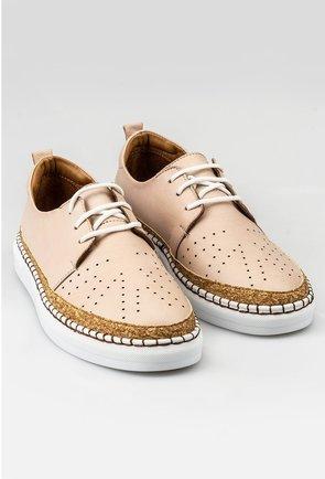 Pantofi casual nude din piele naturala cu detaliu auriu