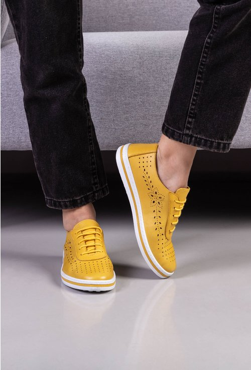 Pantofi casual perforati din piele naturala galbeni
