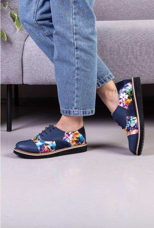 Pantofi din piele bleumarin cu detalii cu imprimeu floral