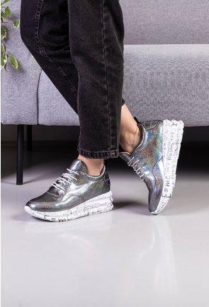 Pantofi din piele naturala cu efect holografic