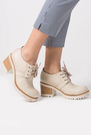 Pantofi din piele naturala bej Sue