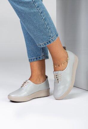 Pantofi din piele nuanta gri cu talpic buretat