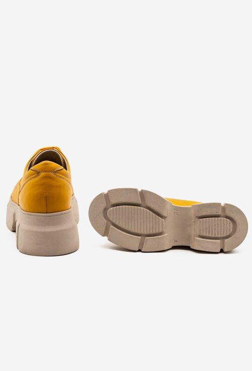 Pantofi galbeni din piele cu siret