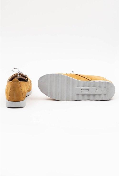 Pantofi galbeni din piele naturala intoarsa