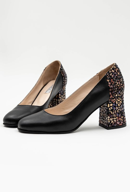 Pantofi negri cu imprimeu floral colorat din piele naturala Iarina