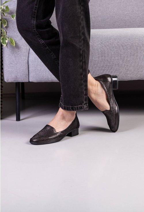 Pantofi negri cu insertii sclipitoare din piele naturala