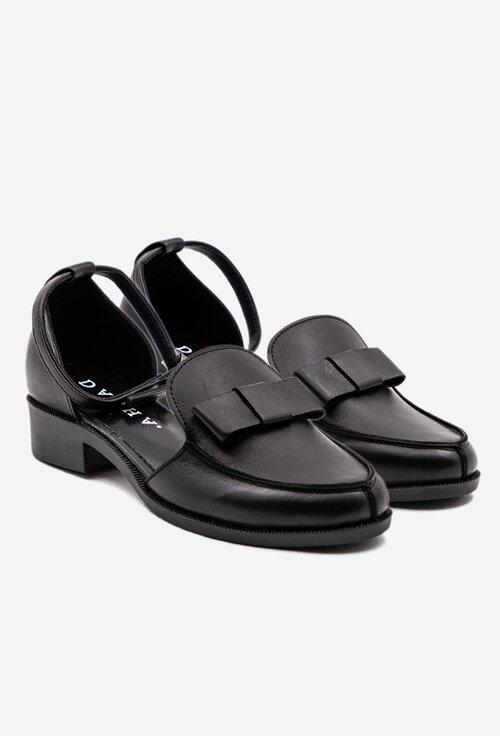 Pantofi negri din piele naturala box cu bareta
