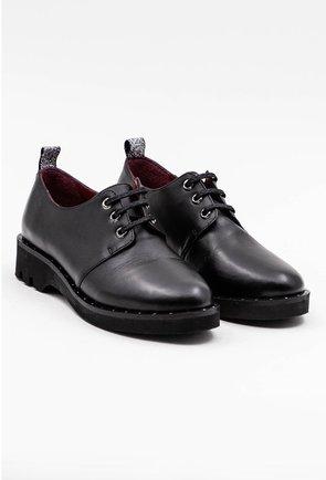 Pantofi negri din piele naturala cu detaliu argintiu