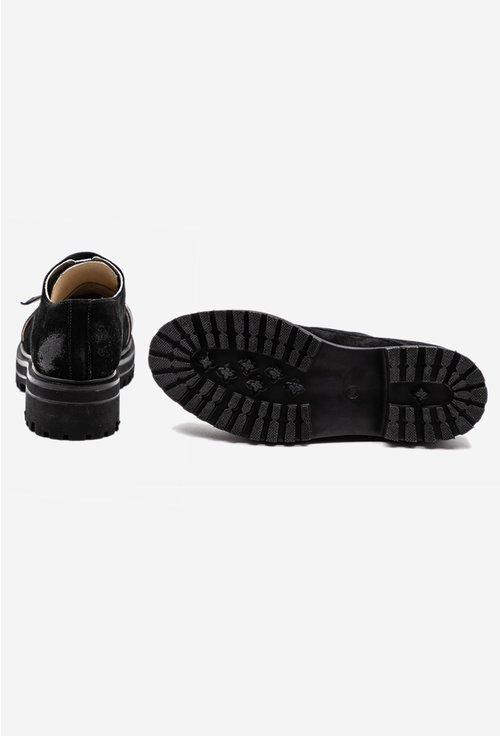 Pantofi negri din piele naturala intoarsa cu detaliu curea