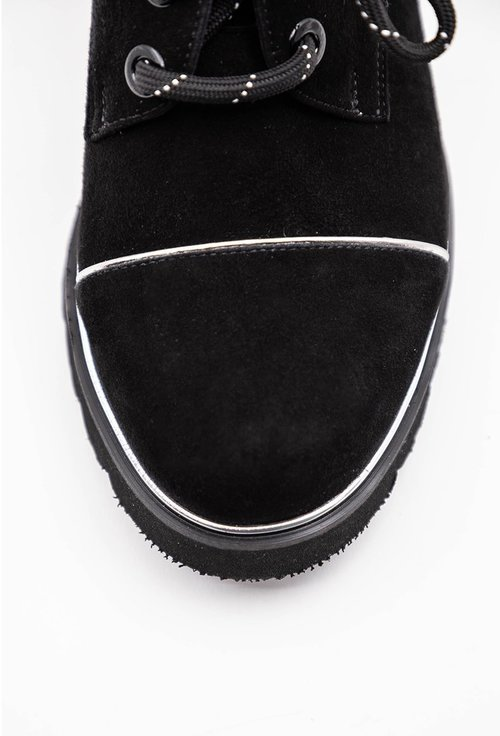 Pantofi negri din piele naturala intoarsa cu influente oxford
