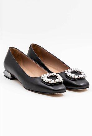 Pantofi office negri din piele accesorizati cu brosa