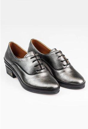 Pantofi Oxford gri metalizat cu siret in partea din fata
