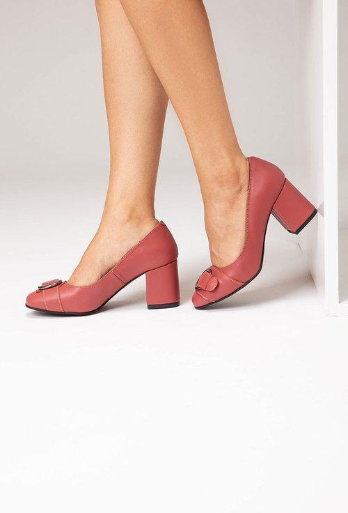 Pantofi roz zmeura din piele naturala cu o catarama