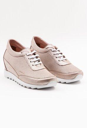 Pantofi sport roz sidefat din piele perforata