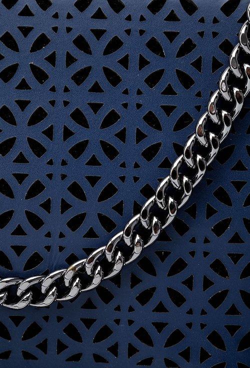 Poseta bleumarin din piele naturala accesorizata cu lant